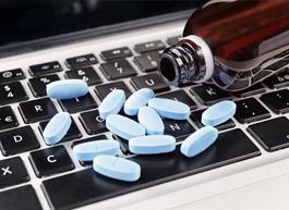 Госдума разрешила продавать рецептурные препараты дистанционно во время эпидемий