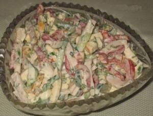 salat-s-kopchenym-syrom_7202