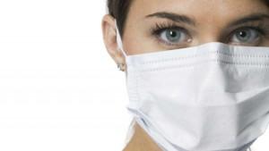 parlamentarij-predlagaet-obyazat-zabolevshikh-grippom-i-orvi-nosit-marlevye-maski